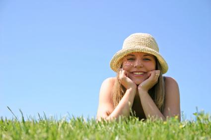 afspænding-glad-kvinde
